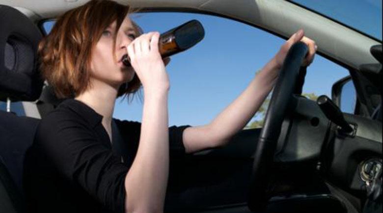 Арест за учителка, шофирала пияна на път за школото
