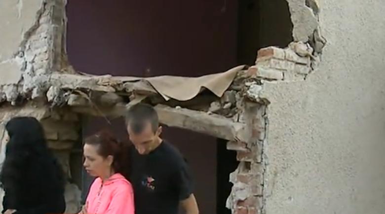 Собствениците на къщата, в която се вряза цистерна разказаха за ужаса