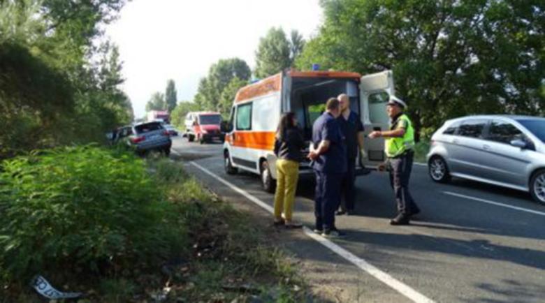 Трима ранени в катастрофа в София