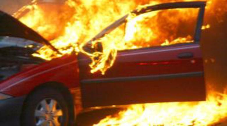 Пламна автомобил с газова уредба, трима в болница