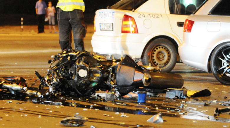 И двамата загинали в тежката мотокатастрофа нямали категория за мотор