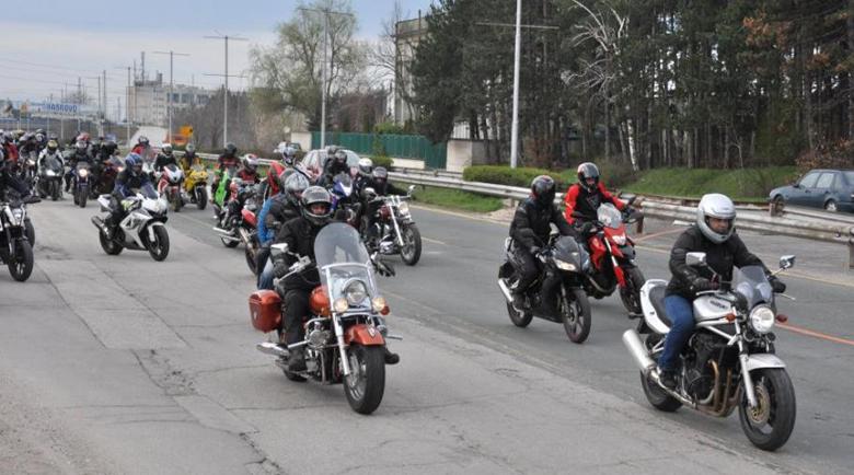 Мотористите почитат загиналите и пострадалите си събратя