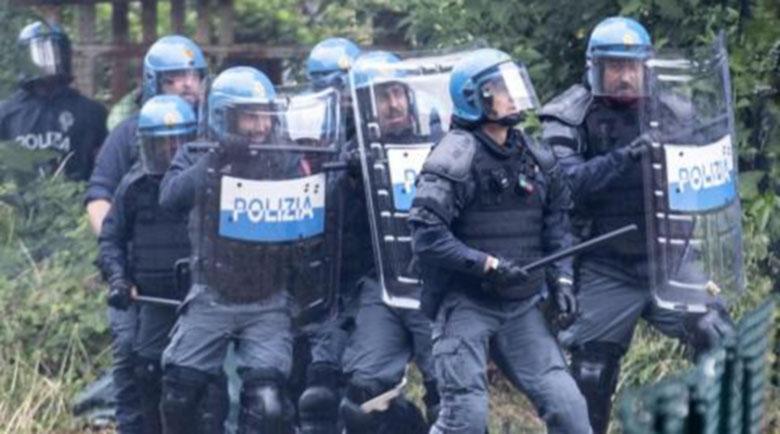 """Мъж нападна войник в Милано с викове """"Аллах Акбар"""""""