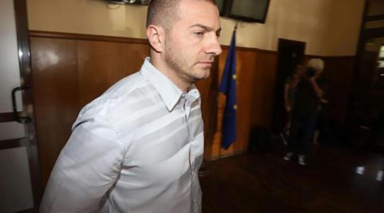 """Шефът на """"ТАД Груп"""" чете за Путин и Суворов в ареста"""