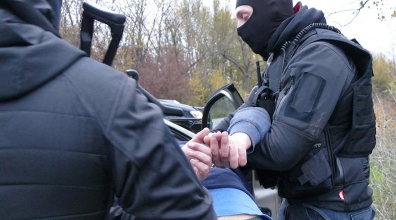 Над 10 задържани при мащабна спецакция в София