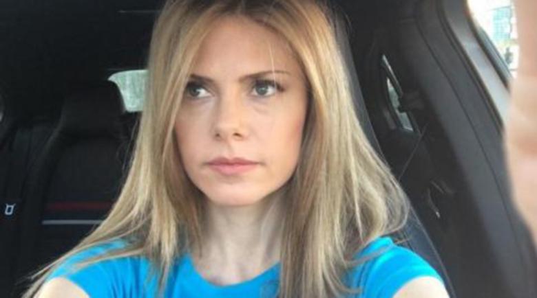Деси Банова отново шофира след катастрофата