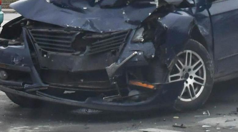 Кола удари глиган на магистралата, оцелялата по чудо шофьорка получи акт от КАТ