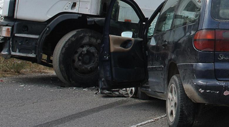 Катастрофа между ТИР и кола на пътя Благоевград – Кресна