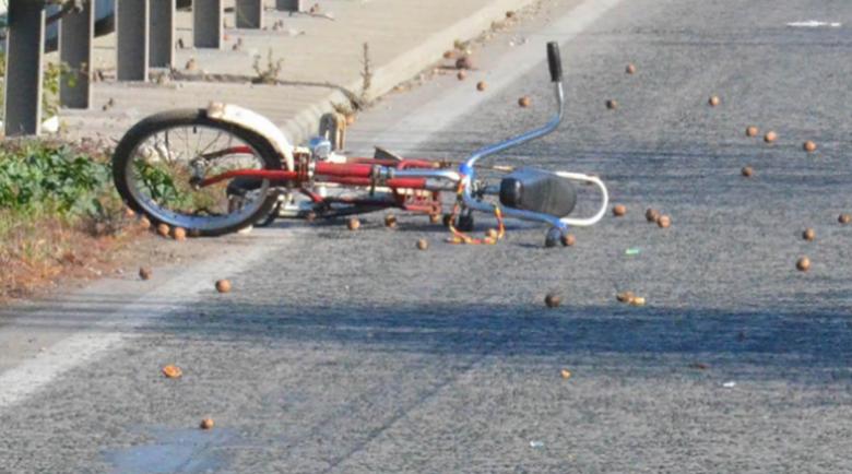 Кола помете дете с колело в Разград