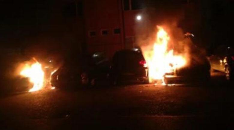 """Подпалиха коли! Среднощен ужас в столичния квартал """"Хиподрума"""""""