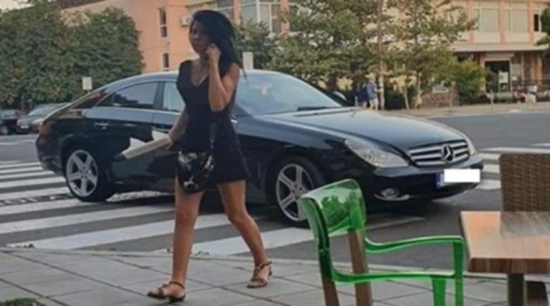 "Нагла бургазлийка паркира на две ""зебри"" едновременно"