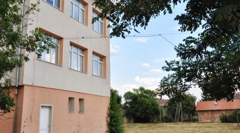Момиче почина в училище във Враца по време на междучасие