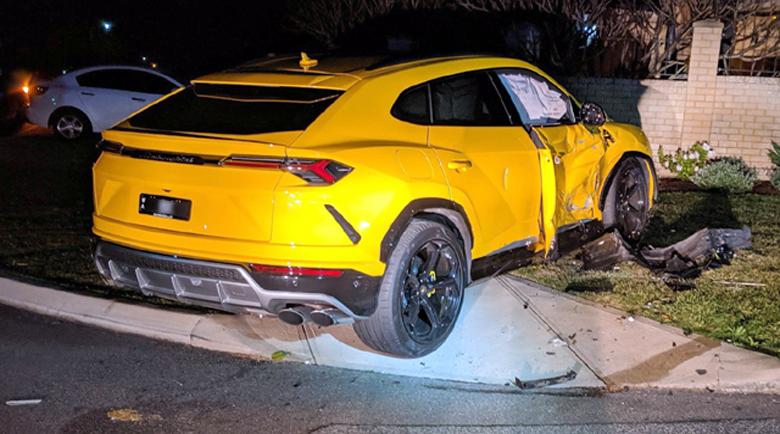 14-годишен смачка Lamborghini Urus с крадено Subaru