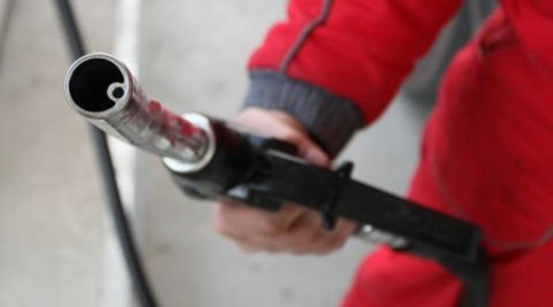 Бензиностанциите в Хасково пропищяха от цигани с BMW кабрио