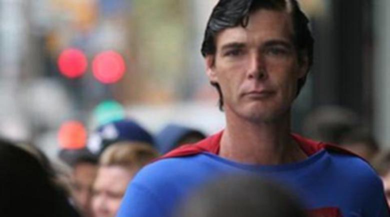 Откриха мъртъв Супермен в контейнер за боклук