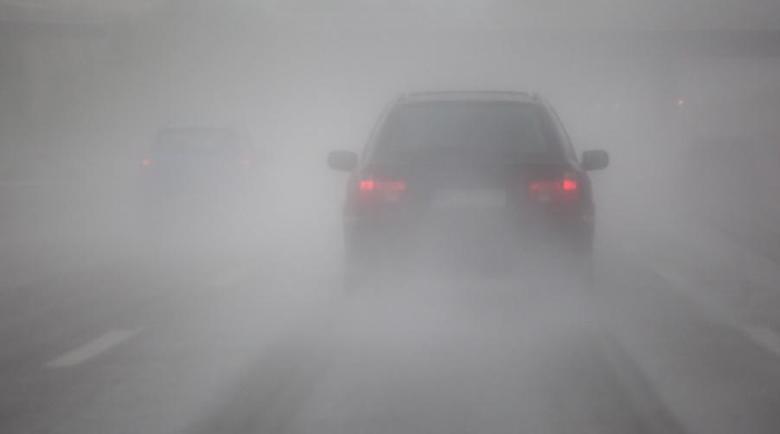 "Внимание! Мъгла и обилен снеговалеж на магистрала ""Хемус"""