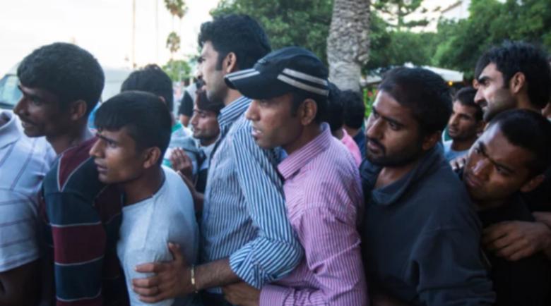 Бежанците вече избиват европейците като овце, хората организират отряди, за да се пазят