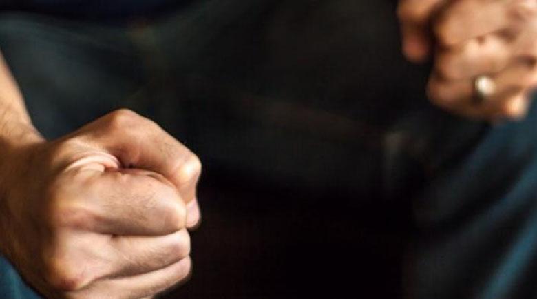 Надзирател задържан за насилие над 11-годишния си син