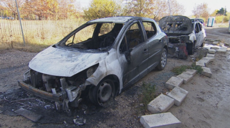 """Запалиха кола в """"Студентски град"""" тази нощ"""