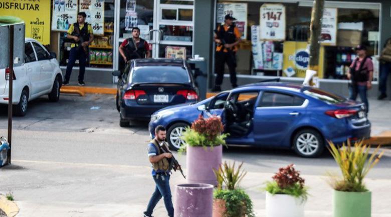 Момче на 11 години откри стрелба, уби двама в Мексико