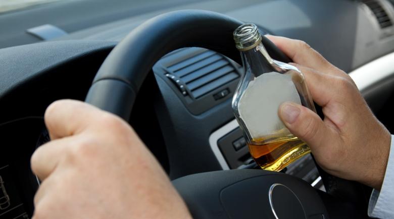 Пиян шофьор удари рекорд в Перник, спипаха го с 4 промила на зиг-заг
