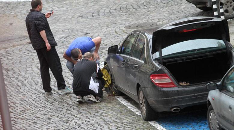 Слагат прангите на над 400 коли на ден в София