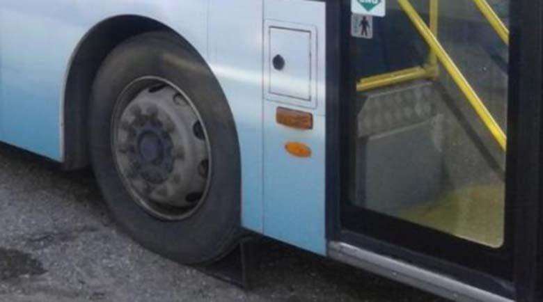 Градски автобус прегази крака на жена във Варна