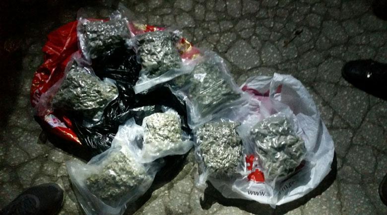 Полицаи иззеха 4 кила марихуана при претърсване на БМВ