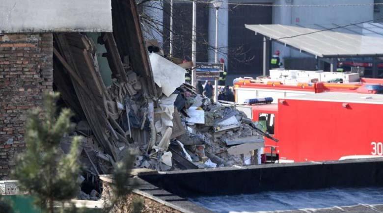 Експлозия срути жилищна сграда в Полша, издирват се хора
