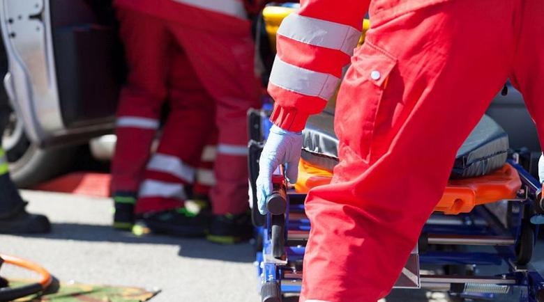 Пет коли изгоряха след сблъсък с камион в Русия, има загинали