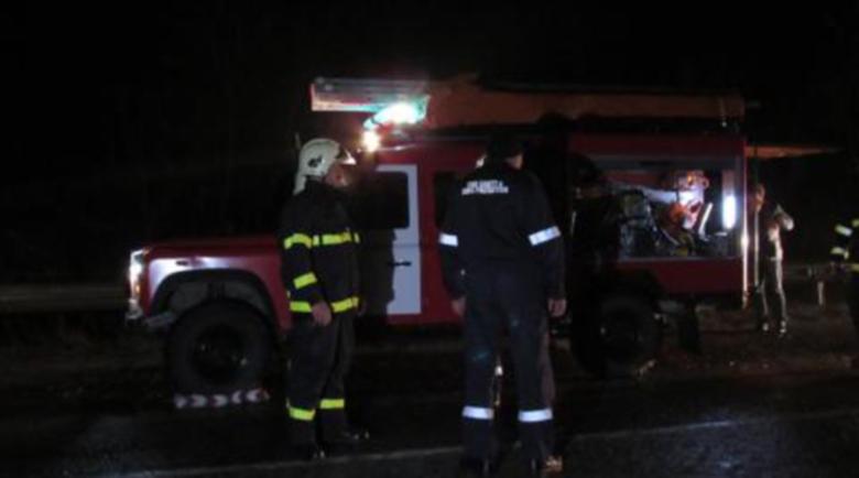 Лек автомобил се разби с бясна скорост на пътя София – Варна