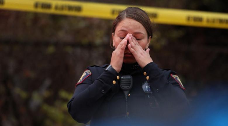 Шестима души, включително полицай, са убити при престрелка в Ню Джърси