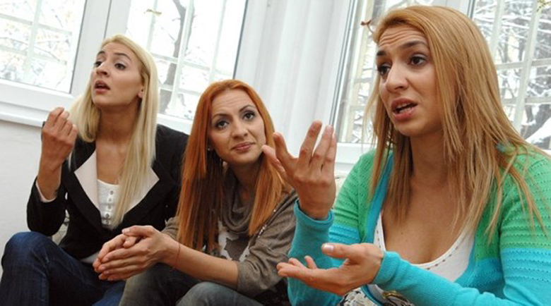 Две от тризначките просят в Лондон, нямат пари за наем, а третата…