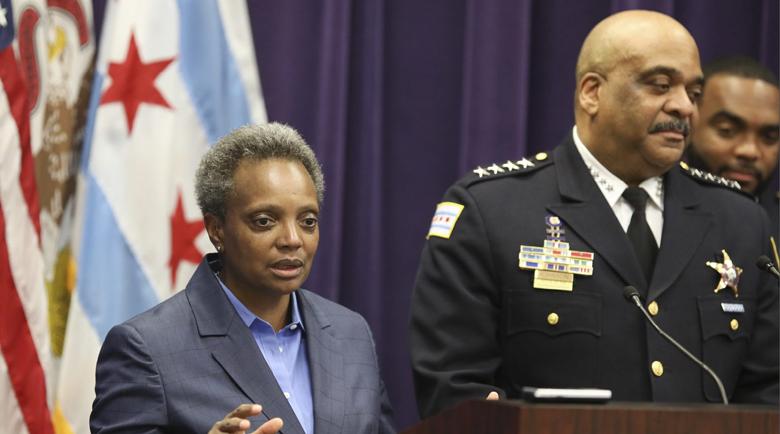 Уволниха шефа на полицията в Чикаго, заспал зад волана пиян