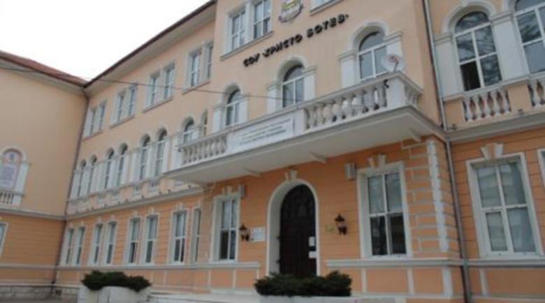 Аутопсията: Мълниеносна пневмония е убила ученичката във Враца