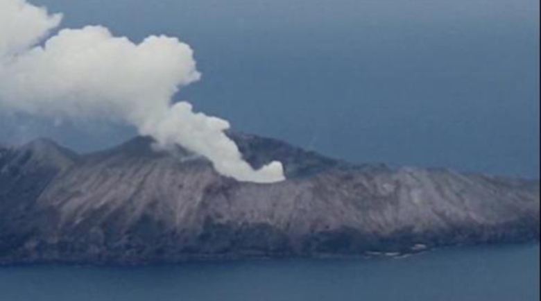 Броят на жертвите на вулкана в Нова Зеландия расте