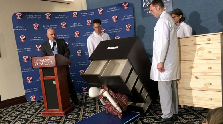 $46 млн. плаща ИКЕА за премазано от техен скрин дете
