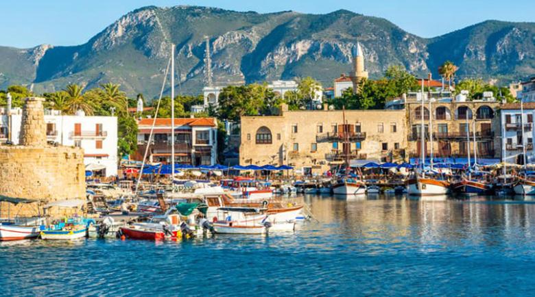 Българска фирма измами чрез хакери чех, купувал си имот в Кипър