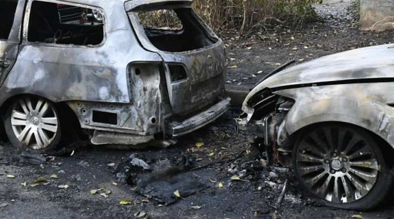 Спипаха извършителя и поръчителя на палежа на 7 коли в Троян