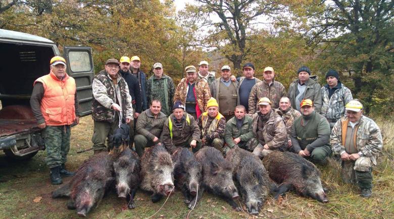 Ловна дружинка в Котелско отстреля над 50 глигана