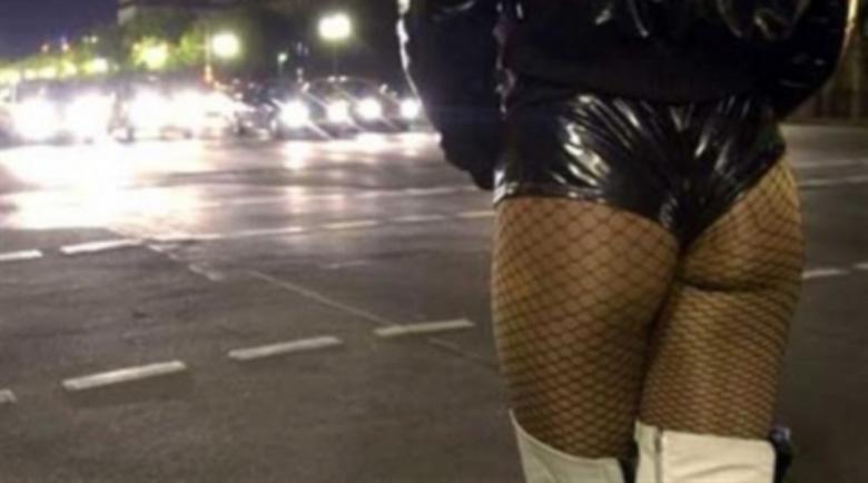 Разбиха банда за трафик на проститутки към границата