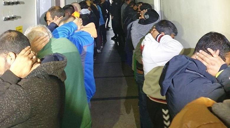 Масови арести в Карловско! 60 души са задържани
