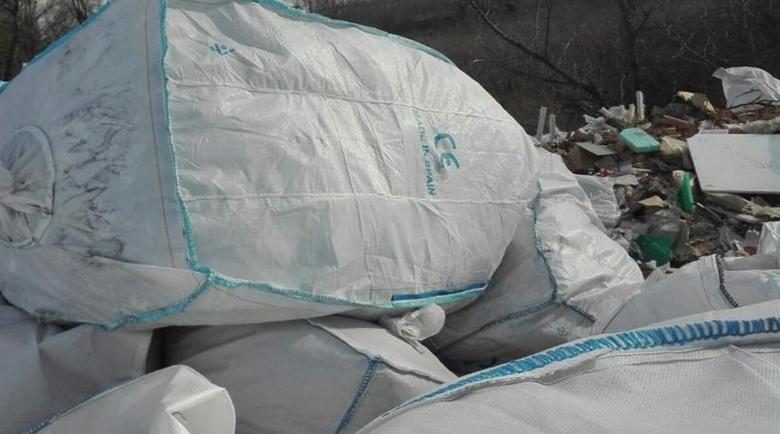 Сред шумотевицата с вируса: Тонове боклуци пристигат у нас от рискови държави