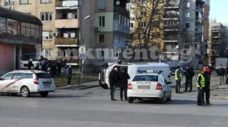 Зрелищна катастрофа с линейка във Видин