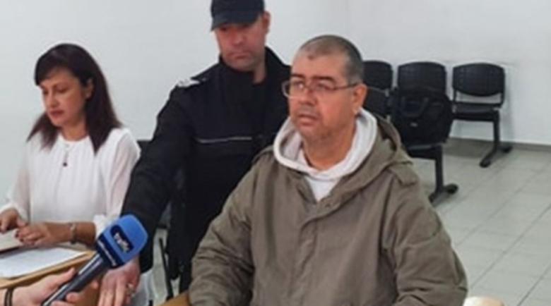 Стрелецът от болницата е шизофреник, жена му го зарязала заради секта