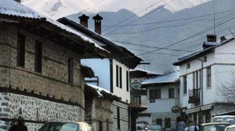 Бащата на изолираното британче в Банско: След сигнал на съседка ни затвориха, а пробите са отрицателни