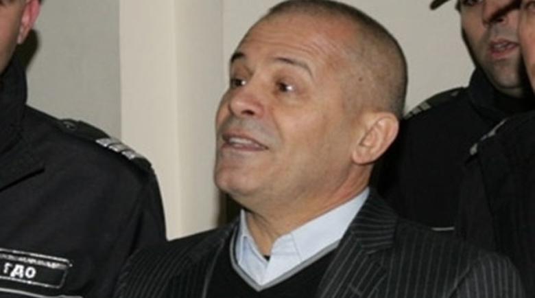 """Уволнен съдия от делото """"Килърите"""" е адвокатът, блудствал с деца"""