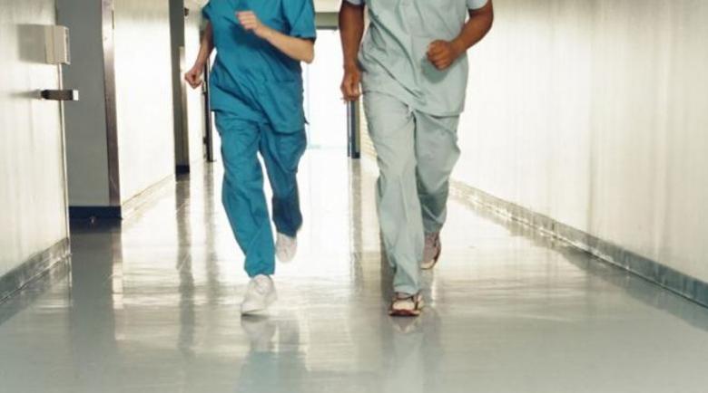 Столичните лекари: Заключете хората у дома!