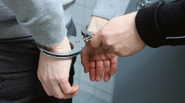 """Арестуваха """"ловец на педофили"""", чичка чакал девойка на среща и…"""