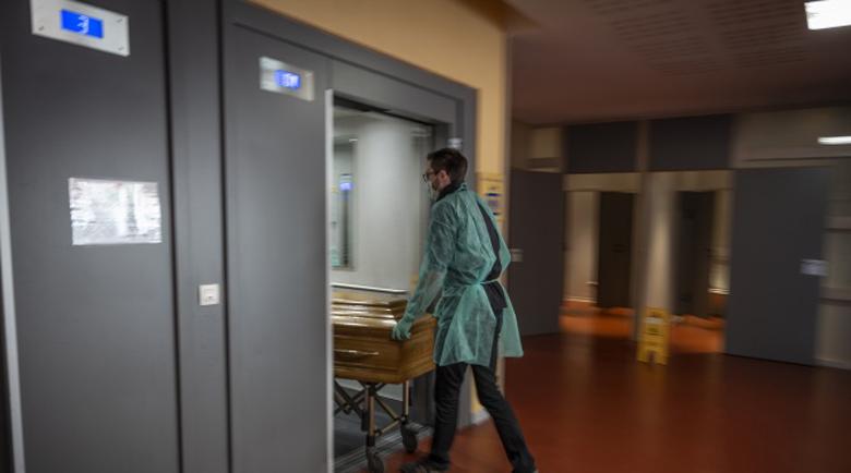 Окуражаваща новина! Смъртността в Италия и Франция намалява